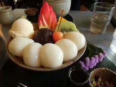 鎌倉 茶房雲母(きらら) : 白玉フルーツクリームあんみつ