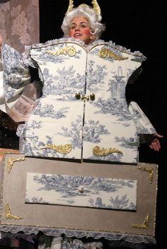 madame grand de la bouche wardrobe