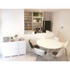 Risa___roomさんの、シンプル,白黒グレー,ホワイトインテリア,モノトーン,白黒,丸テーブル,ダイニングテーブル,Kitchen,のお部屋写真