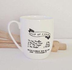 DIY Gifts // Handmade Holidays // DIY Sharpie Mug Recipe: A cute little twist on the initial mug. Diy Christmas Mugs, Diy Holiday Gifts, Diy Gifts, Last Minute Christmas Gifts Diy, Cake Candy, Mug Recipes, Recipies, Baking Recipes, Diy Sharpie Mug