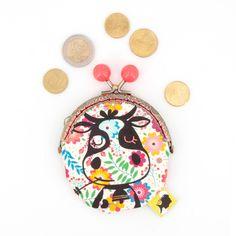 Porte-monnaie original, illustré d'une vache et de fleurs, fait-main avec fermoir clip en métal, cadeau pour la fete des meres, 8x12 cm Clip, Fiber, Etsy, Fabric, Fun, Kids, Accessories, Trends, Group