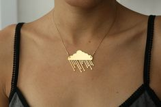 Golden Rainy Cloud - because I'm grumpy hahaha. Jewelry Accessories, Fashion Accessories, Jewelry Design, Silver Jewelry, Jewelry Necklaces, Silver Earrings, Jewlery, Bling, Bijoux Diy