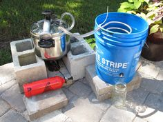 Water Distillation…The quick Way- The Homestead Survival - Water Storage and Purification - Homesteading - Emergency Preparedness Survival Food, Homestead Survival, Camping Survival, Survival Prepping, Emergency Preparedness, Survival Skills, Survival Hacks, Survival Shelter, Off The Grid