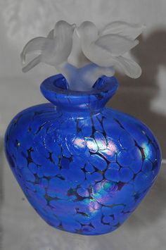 Vintage Lavender Art Glass Perfume Bottle w/Frosted Glass Kissing Love Birds Stopper