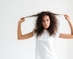 Wondering how to grow your hair faster? We've collected all-natural hair growth tips for women dreaming of longer and healthier locks. Natural Hair Growth Tips, Hair Growth Oil, Natural Hair Styles, Long Hair Styles, Help Hair Grow, How To Grow Your Hair Faster, Champagne Hair, Red Scene Hair, Unnatural Hair Color