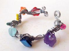 Perlen Blüten Blumen Armreif/Armband kunterbunt/Chakra Fee Elfenkönigin PRIDE