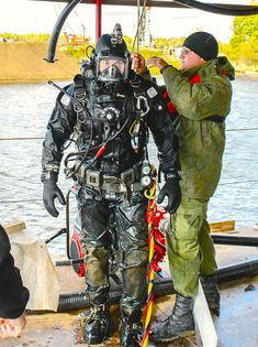 Commercial Divers and their Gear: Photo