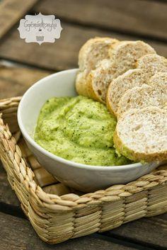 Cukkini krém - Kifőztük, online gasztromagazin Dip Recipes, Vegan Recipes, Cold Dishes, Hungarian Recipes, Vegan Vegetarian, Healthy Snacks, Healthy Lifestyle, Food Porn, Food And Drink