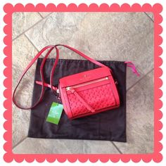 KATE SPADE Peri Lane Looloo Bubbles Bag BUNDLE & SAVE 30%   Color is Empire Red, textured leather, zip top closure, bright pink interior with small slip pocket, shiny gold hardware, 7in(L) 6in(H) 4in(W) BRAND NEW! kate spade Bags