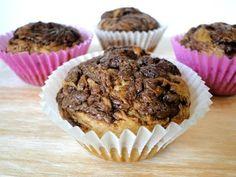 Receta de muffins sin azúcar de plátano y nutella. Aptos para diabéticos y deliciosos, ¡estos muffins de plátano te encantarán! Deserts, Food And Drink, Low Carb, Breakfast, Cake Pops, Diabetes, Youtube, Muffins, Dog