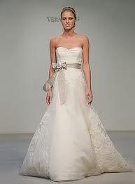 So elegant wedding dress
