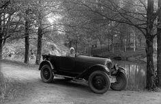 Kesäretkellä Turussa 1929.  Kuvaaja: H. Attila Turun museokeskuksen valokuva-arkisto VA9810:4172