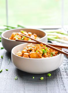 This Dump-and-Bake General Tso Chicken is a healthier and easier version of the classic Chinese food! Chicken Breast Recipes   Easy Dinner Recipes   Healthy Dinner Recipes #chicken #dinner #healthy
