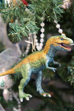 i d l e w i f e : diy modcloth inspired dinosaur ornaments
