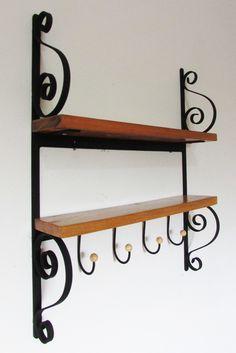 Wrought Iron Decor, Wrought Iron Gates, Iron Furniture, Steel Furniture, Wood And Metal, Metal Art, Iron Art, Iron Doors, Metal Crafts