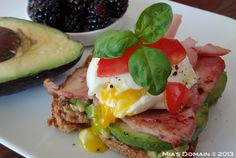 Open-Faced Ham, Egg, and Avocado Sandwich New Recipes, Real Food Recipes, Yummy Food, Healthy Recipes, Breakfast Sandwiches, Wrap Sandwiches, Breakfast Options, Breakfast Recipes, Healthy Cooking