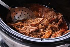 Recipe: Pulled pork with slow cooker.- Recipe: Pulled pork with slow cooker. Slow Cooker Pork, Slow Cooker Recipes, Cooking Recipes, Crockpot Meals, Dinner Crockpot, Budget Recipes, Cooking Ideas, Food Ideas, Slow Cooking