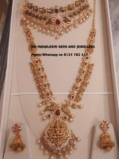 Get the best designs in ready selection or made to order fastest delivery on Wed… – Haardesign Center Gold Haram Designs, Gold Mangalsutra Designs, Gold Jewellery Design, Indian Bridal Jewelry Sets, Gold Jewelry Simple, Indian Wedding Jewelry, Bridal Jewellery, Bridal Earrings, Boutiques