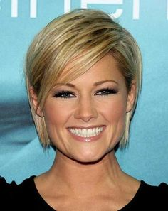 25 Blonde Bob Haircuts: I like the color on #7....wheatish colored blonde