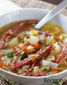 Sopa de verduras y carne