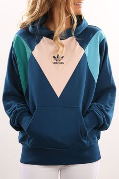 Check out this product from Jean Jail: adidas: Hoodie Tennis Vintage white Blue - Tennis Adidas - Ideas of Tennis Adidas - Check out this product from Jean Jail: adidas: Hoodie Tennis Vintage white Blue Sporty Outfits, Trendy Outfits, Fashion Outfits, Adidas Hoodie, Adidas Tracksuit, Adidas Jacket, Looks Adidas, Adidas Outfit, Adidas Dress