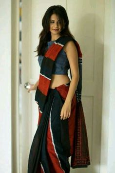 Elegant Fashion Wear Explore the trendy fashion wear by different stores from India Indian Beauty Saree, Indian Sarees, Bengali Saree, Indian Dresses, Indian Outfits, Saree Trends, Elegant Fashion Wear, Stylish Sarees, Saree Look