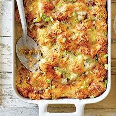 Cheesy Sausage-and-Croissant Casserole - Filling Breakfast Casseroles - Southernliving. Recipe: Cheesy Sausage-and-Croissant Casserole Gruyère cheese browns beautifully and adds a nutty flavor to this dish. You can sub Swiss cheese if you prefer. Breakfast And Brunch, Croissant Breakfast Casserole, Breakfast Items, Breakfast Dishes, Breakfast Recipes, Morning Breakfast, Polenta Breakfast, Breakfast Enchiladas, Overnight Breakfast