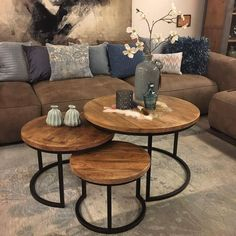 I love how these tables can slide into themselves. table home homedecor liv Home Living Room, Living Room Designs, Living Room Decor, Room Interior, Interior Design, Round Coffee Table, Round Industrial Coffee Table, Living Room Inspiration, Furniture Design