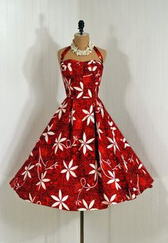 Red with White Tiare Flowers full skirt circle retro vintage cotton 50 Style Dresses, Pretty Dresses, Fashion Dresses, 50 Fashion, Retro Fashion, Vintage Fashion, Club Fashion, Vintage Dresses, Vintage Outfits