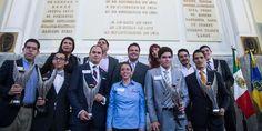 Entrega Gobernador de Jalisco Premio Estatal de la Juventud