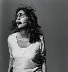 """""""No quiero fingir que soy más joven de lo que en realidad soy"""", le dijo Lauren Hutton a Steven Meisel durante una sesión de fotos para Vogue Italia. En 2014 ha cumplido 71 años."""