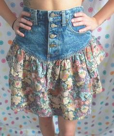1980s Hipster Kitsch Grunge High Waist 4 Button Acid by HDVintage, $22.00 it would be better as a dress