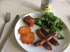 Lækker frokost: Blomkålsfritter ( husk aioli dip), cheddar chips, feld-salat, kyllingebryst med bacon😄