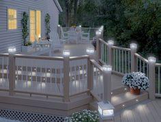 Szép+terasz+fehérben,+napelemes+hangulatvilágítással
