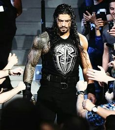 Roman Reigns Family, Wwe Roman Reigns, Roman Reighns, Wwe T Shirts, Roman Warriors, Professional Wrestling, Now And Forever, Roman Empire, Big Dogs
