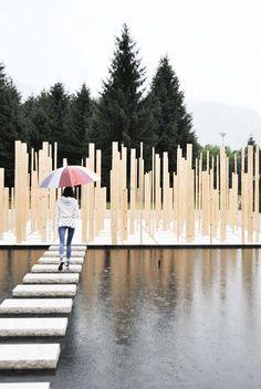 I like the idea of the structure leading over the water. Duecentosessanta MQ / Simone Bossi