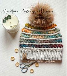 Crochet Cup Cozy, Love Crochet, Crochet Gifts, Crochet Yarn, Hand Crochet, Crochet Beanie Pattern, Headband Pattern, Crochet Patterns, Crochet Mermaid Tail