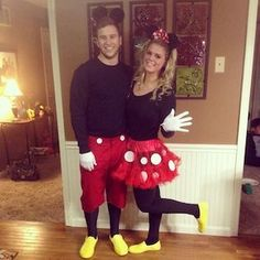 Hallowen Costume Couples Halloween Best Costumes For Boyfriend and Girlfriend Costumes Couples Disney, Couples Halloween, Disney Couples, Disney Diy, Disfraz Mickey Mouse, Minnie Mouse Costume, Mickey And Minnie Costumes, Cute Halloween Costumes, Diy Costumes