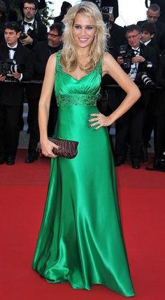 Bloc de Moda: Noticias sobre moda, fashion, diseño de autor, desfiles, zapatos, carteras: Los looks de Luisana Lopilato en Cannes