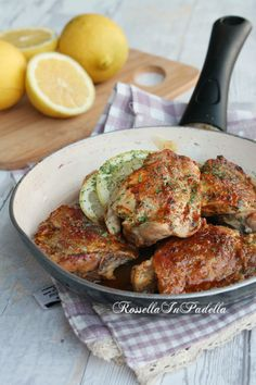 Rustic chicken with lemon - Pollo rustico al limone Meat Substitutes, Lemon Chicken, Tandoori Chicken, Italian Recipes, Risotto, Main Dishes, Chicken Recipes, Spaghetti, Food And Drink