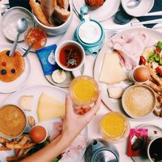 Sunday Brunch at Café Marlette with Lov Organic tea Good Breakfast Places, Breakfast Restaurants, Sunday Breakfast, Sunday Brunch, Best Breakfast, Good Food, Fun Food, Tea Time, Cooking
