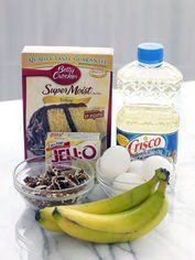 QUICK BANANA NUT BREAD box yellow cake mix 1 package Jell-O Instant Banana Cream Pudding & Pie Filling cup water cup vegetable oil 2 ripe bananas, mashed 4 eggs 1 cup chopped pecans Nut Bread Recipe, Easy Bread Recipes, Cake Mix Recipes, Banana Bread Recipes, Dessert Recipes, Cake Mixes, Quick Bread, Quick Recipes, Quick Dessert