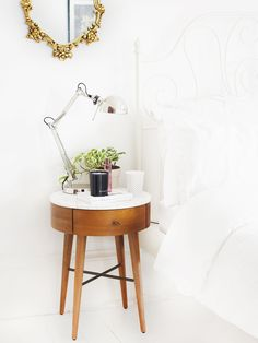 5 Things: Shopping For Furniture. (Kate La Vie)