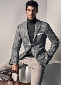 The most luxury brands in the world available at Luxury & Vintage Madrid - Ideen - Sport Style Casual, Men Casual, My Style, Fashion Wear, Fashion Outfits, Mens Fashion, Best Designer Suits, Moda Men, Blazer Outfits Men