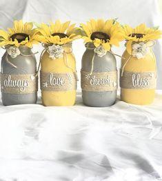 Mason Jar Crafts – How To Chalk Paint Your Mason Jars - Untinued Mason Jar Projects, Mason Jar Crafts, Mason Jar Diy, Bathroom Mason Jars, Crafts With Jars, Diy Hanging Shelves, Mason Jar Flowers, Decorated Jars, Mason Jar Lighting