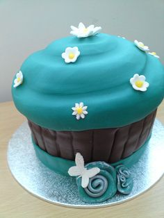 Giant Cupcake Turquoise by Cakes by Occasion