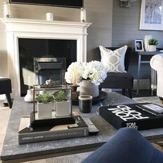 Home Decor Ideas For Living Room Kenya Table Decor Living Room, Interior Design Living Room, Living Room Designs, Interior Decorating, Home Decoracion, Shabby Chic Style, Home And Living, Room Inspiration, Decoration