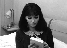 my gif gif film Black and White vintage book Anna Karina 1965 Jean Luc Godard french cinema Alphaville La Nouvelle Vague xalphaville xgodard xannakarina Anna Karina, Celebrities Reading, Foto Gif, Gif Photo, French New Wave, Style Parisienne, Jean Luc Godard, Woman Reading, Tumblr