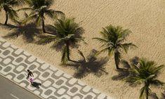 Vista do calçadão da praia de Ipanema: no vizinho Leblon, o desenho é o mesmo - Guilherme Leporace / Agência O Globo