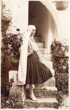 Königin Marie von Rumänien, Queen of Romania nee Princess of Edinburg 1875 – 1938 Romanian Royal Family, Greek Royal Family, Bottle Cap Projects, Save The Queen, Ferdinand, Queen Victoria, Descendants, Famous People, Marie